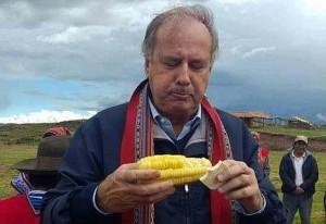 AQL-LOS POLITICOS Y LOS GESTOS