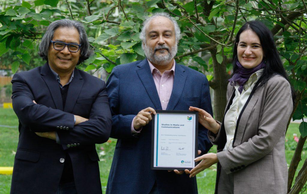 Eduardo Villanueva recibe reconocimiento