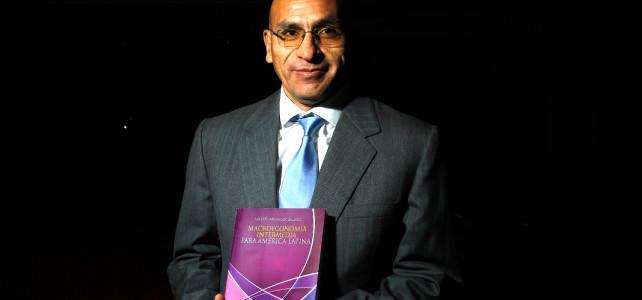 Presentación del libro <em>Macroeconomía intermedia para América Latina</em>, de Waldo Mendoza