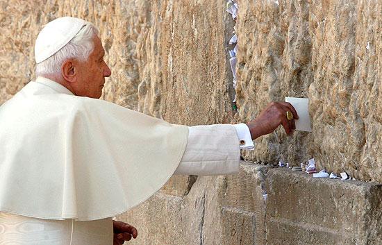 benedicto XVI castel gandolfo enciclicas oraciones exhortaciones apostolicas krouillong sacrilega comunion en la mano 10