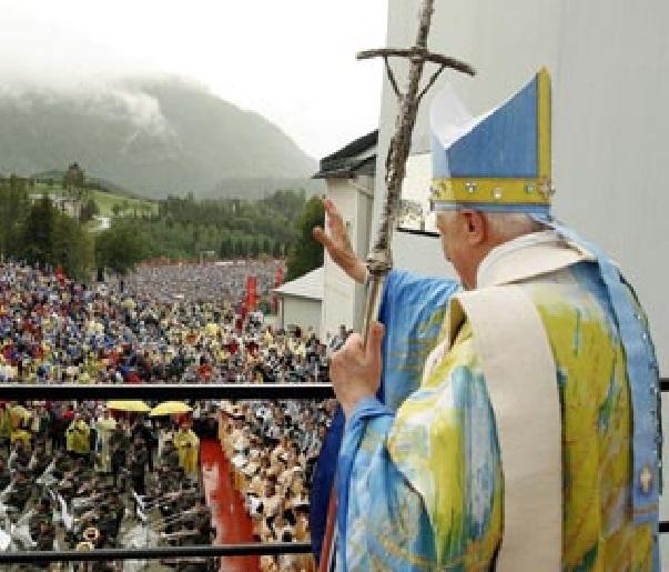 benedicto XVI castel gandolfo enciclicas oraciones exhortaciones apostolicas krouillong sacrilega comunion en la mano