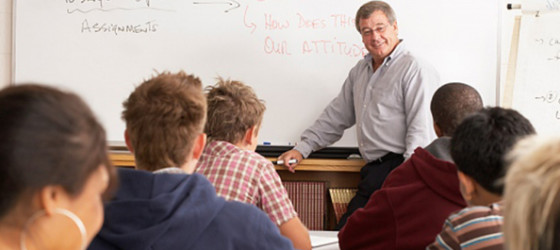 maestro docente docencia krouillong comunion en la mano sacrilegio