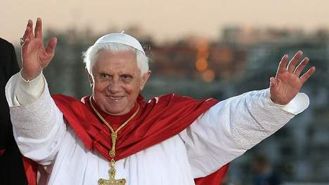 benedicto XVI castel gandolfo enciclicas oraciones exhortaciones apostolicas krouillong sacrilegio comunion en la mano 58