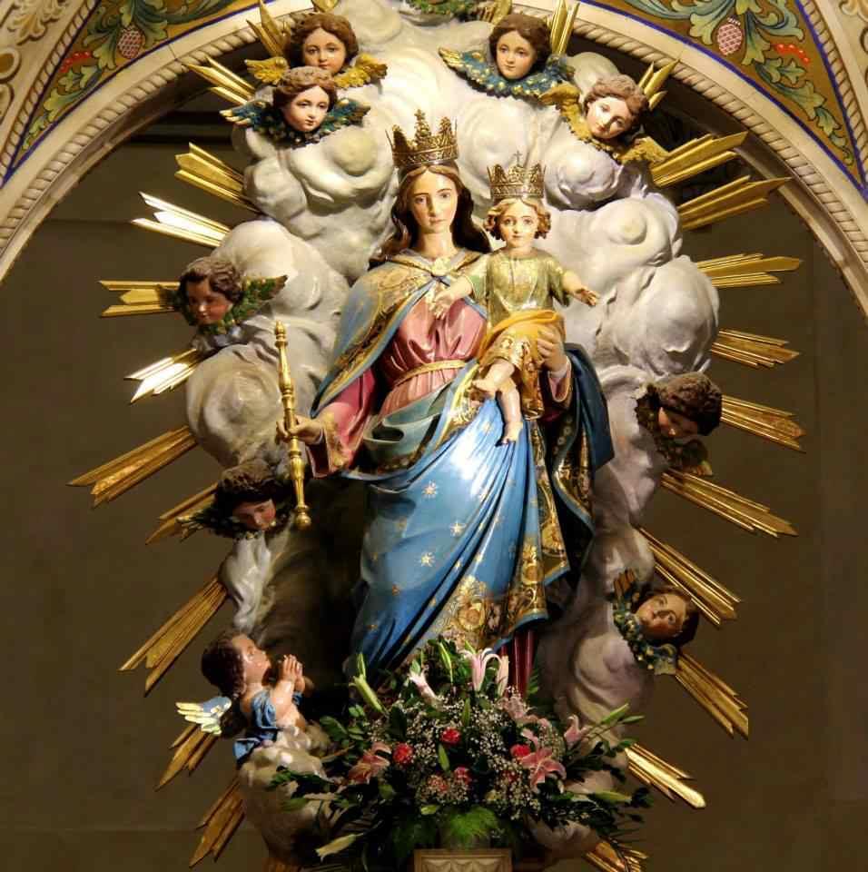 maria auxiliadora auxilio de los cristianos krouillong comunion en la mano es sacrilegio 4