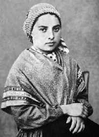 Santa Bernadette Soubirous krouillong comunion en la mano es sacrilegio