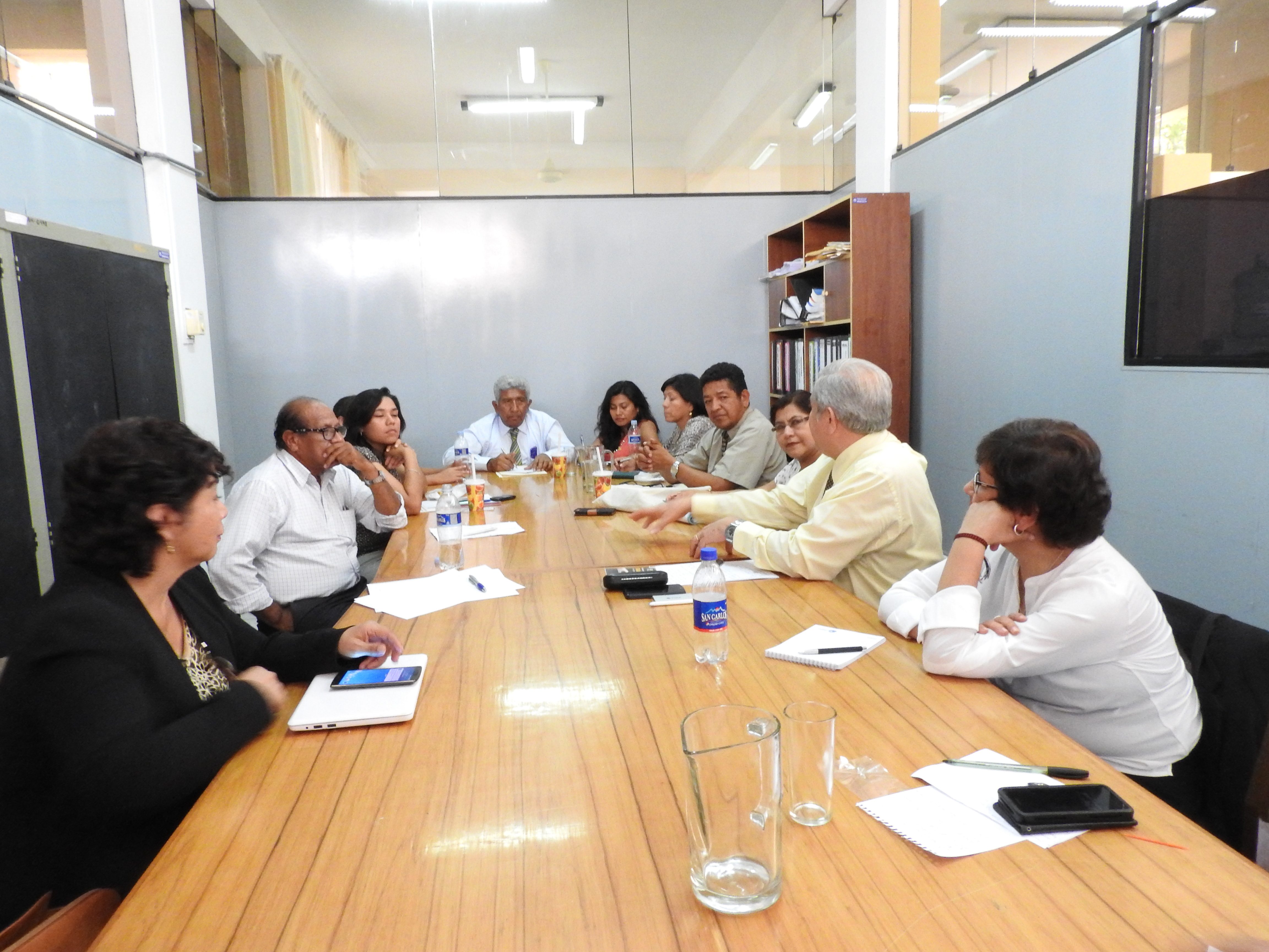 Reunión de trabajo con los participantes del Grupo Meseta Andina, el Grupo Ecológico y la Maestría en Gerencia Social