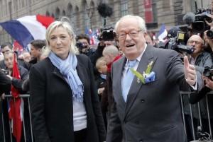 Jean-Marie Le Pen y su hija Marine (GTRES)