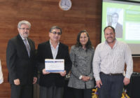 Otorgamiento del Premio a la Innovación en Docencia Universitaria 2017 al profesor Edilberto Casado