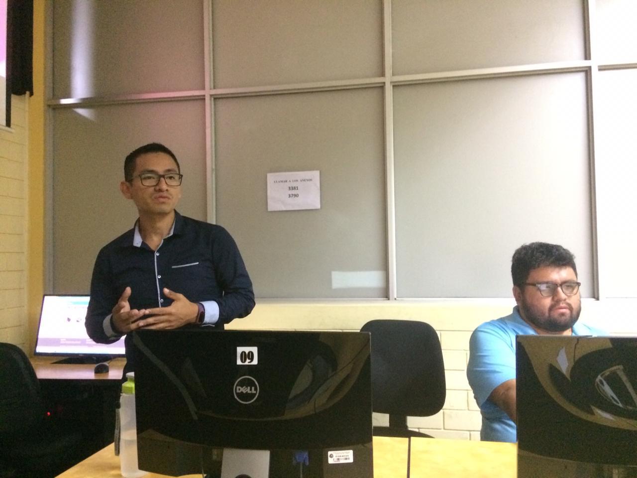 """Taller extracurricular: """"Uso de plataformas digitales para la difusión de contenidos académicos y culturales"""" [fotos]"""