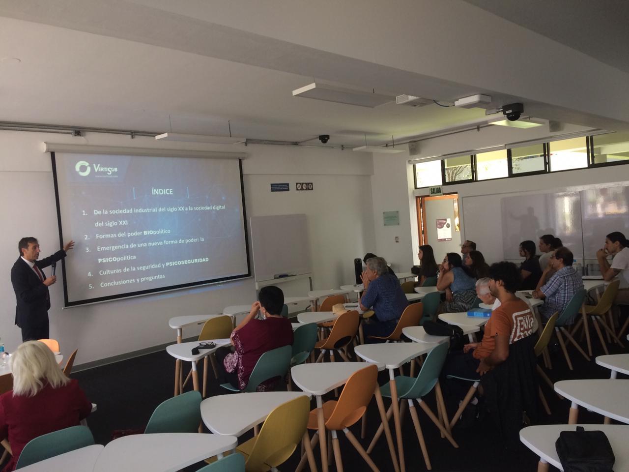 """Ciclo de conferencias """"Filosofía y vida"""" a cargo de Jesús Adrian Escudero [fotos y videos]"""