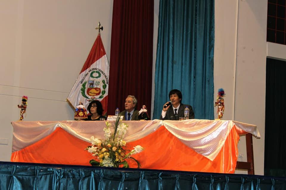 Aula Itinerante (PUCP-UNHEVAL): El Talón de Aquiles en marcha por las universidades del Perú [fotos]