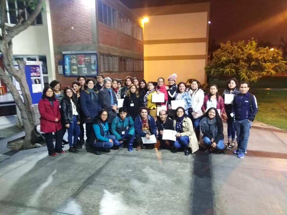 Aula Itinerante: taller de habilidades informacionales para docentes del Colegio Corazón de Jesús de Jicamarca