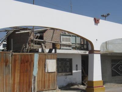 Detrás de las arquerías de Paracas