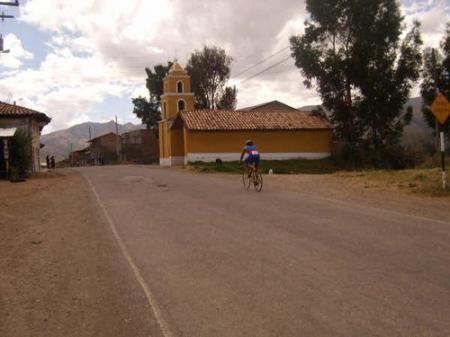 Ciclismo de Jauja hacia la Laguna de Paca