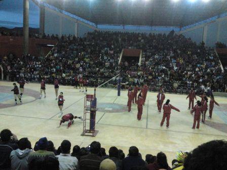 Las selecciones de Perú y Chile en el Coliseo Josefino de Jauja