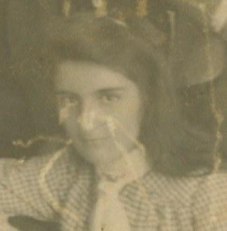 Leonor Álvarez-Calderón Olavegoya