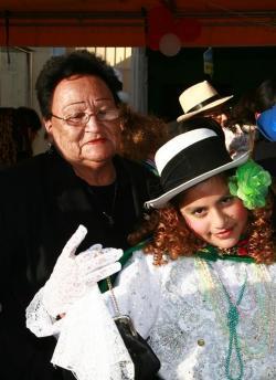Violeta Camarena y su nieta Allison