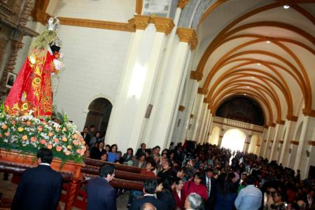 Virgen del Rosario al interior de la Iglesia de Jauja