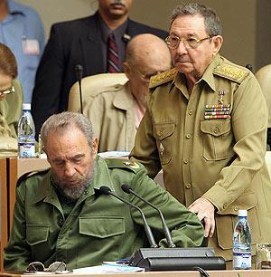 Raúl Castro, detrás de su hermano, líder máximo e insustituible