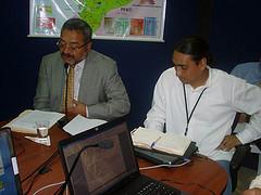 Presidente del TSE, Dr. Jorge Acosta, junto a Presidente de la Mesa 2 de la Asamblea, Virgilio Hernández, exponiendo el proyecto de reforma de la Función Electoral, jueves 7 de febrero de 2008. Copyright: TSE del Ecuador
