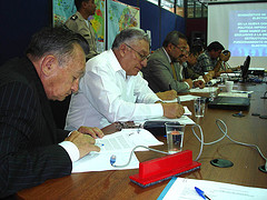 Vocales del TSE participando en la discusión de la Mesa 2 de la Asamblea, sobre la Función Electoral, jueves 7 de febrero de 2008. Copyright: TSE del Ecuador