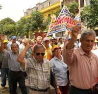 Fonavistas exigen al JNE el respeto de sus derechos constitucionales. Fuente: La Primera