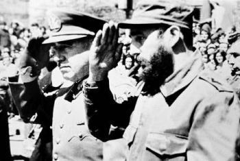 Augusto Pinochet y Fidel Castro, uno de derecha y el otro de izquierda, pero igual de dictadores. Fuente: www.cadal.org