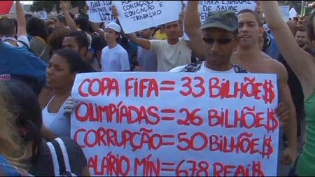 20130705-indignados-brasil-indigandos-brasileros-protestas-en-brasil-contra-el-dispendio.jpg