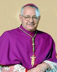 krouillong karla rouillon gallangos no recibas la eucaristia en la mano arzobispo de cuzco juan antonio ugarte
