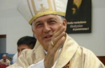 ex PUCP karla patricia rouillon gallangos krouillong no recibas la eucaristia en la mano marcial rubio Monseñor Piñeiro