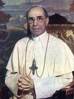 papa pio XII krouillong karla rouillon gallangos no recibas la eucaristia en la mano