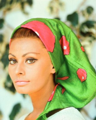 20131021-sophia-loren-in-colour.jpg