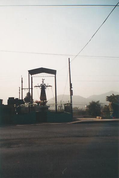 Cruz del Camino-Carretera Central