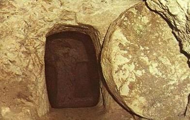 Sepulcro sellado con piedra