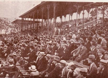Tribuna llena 1927