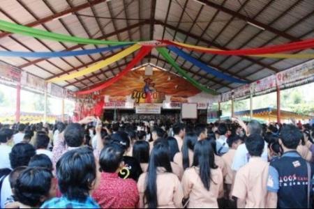 Jóvenes católicos Indonesia