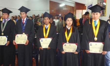 Graduados y titulados