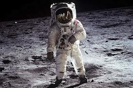 Neil Armstrong en la luna