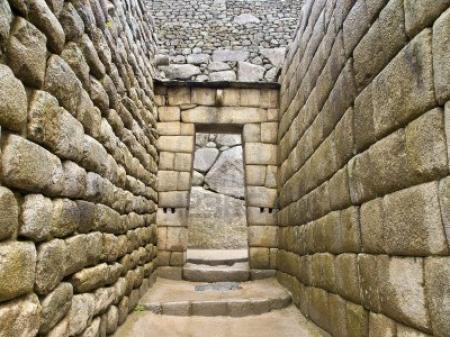 Orientación y acceso arquitectura inca