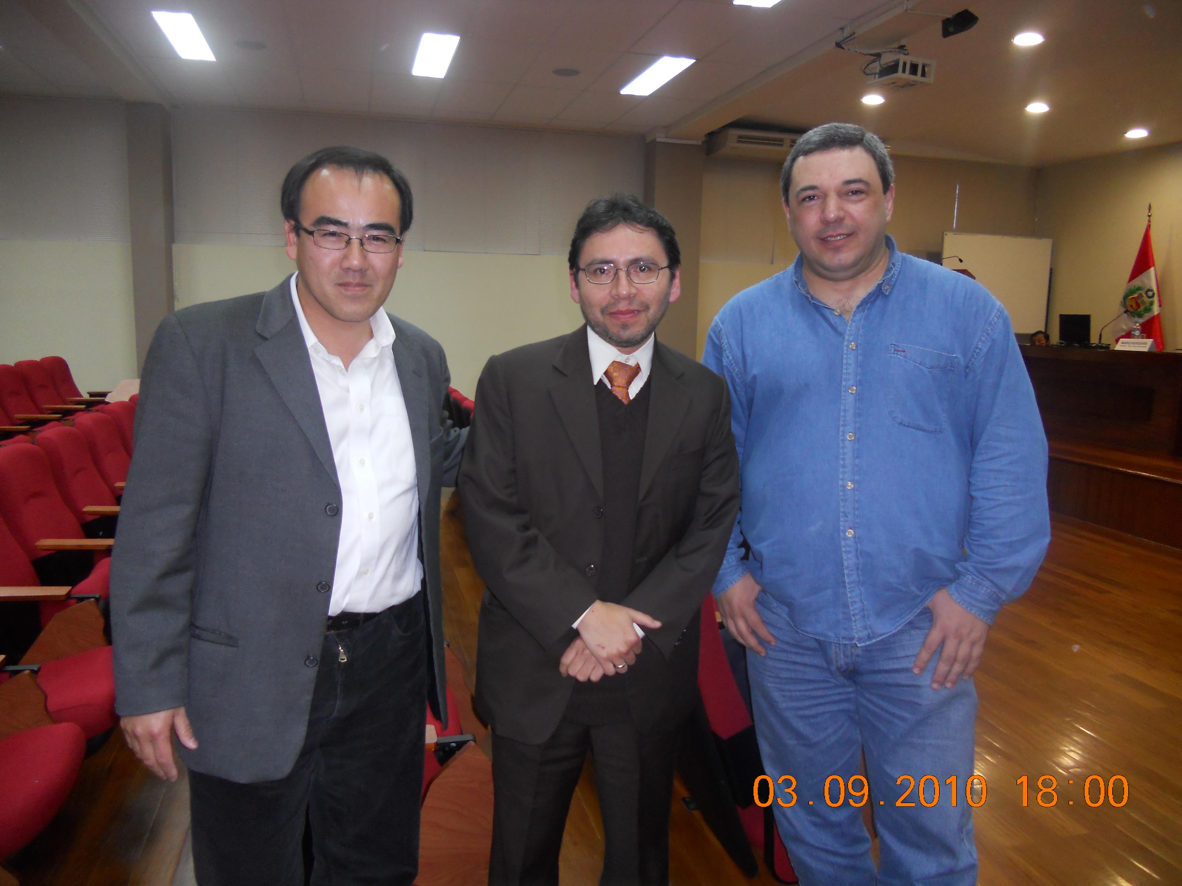 De izquierda a derecha: profesores José Gallardo (PUCP