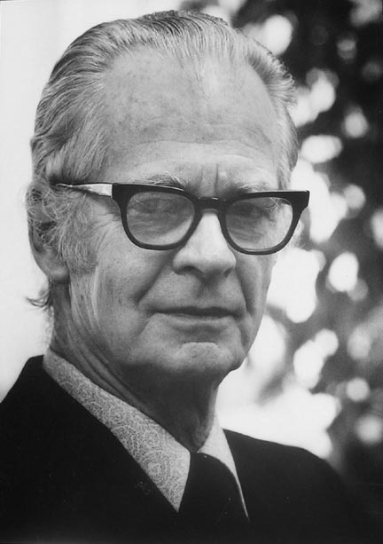 a comparison of sigmund freud and b f skinner Psychology is routinely subjected to numerous and constant controversy, encompassing many different philosophies, perspectives, and ideas a prime example of such endless controversy is the.