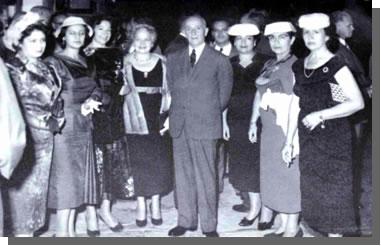 20120908-parimeras_damas_congresistas_del_peru.jpg