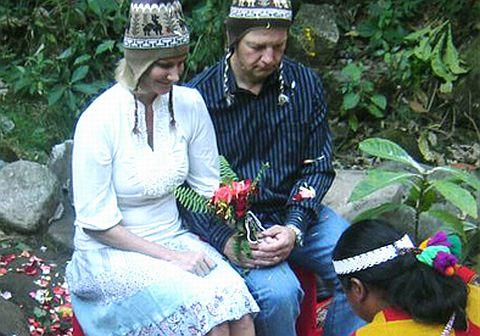 Matrimonio Simbolico En Peru : Ceremonia religiosa al aire libre surco bodas cristianas peru