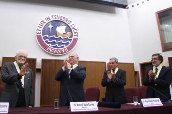 Luis Jaime Cisneros Profesor Emerito