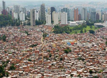 20110525-favela_morumbi.jpg