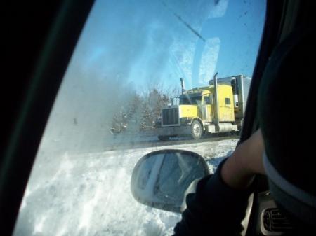 20110727-enorme truck.jpg