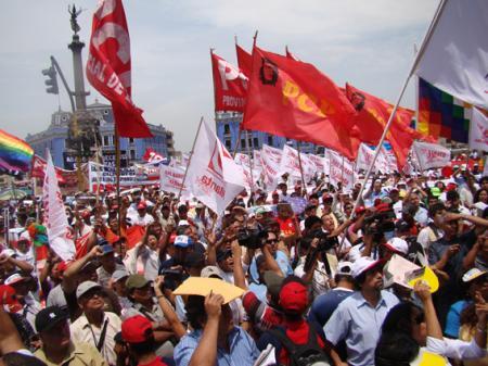 20130612-sindicatos_peruanos.jpg