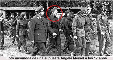 20130523-a_angela_merkel_con_uniforme.jpg
