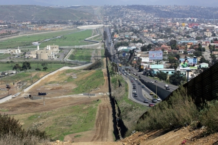 20121001-frontera-mexico-y-ee_uu__1.jpg