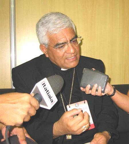 20100507-mons_cabrejos_reeleccion2009.jpg